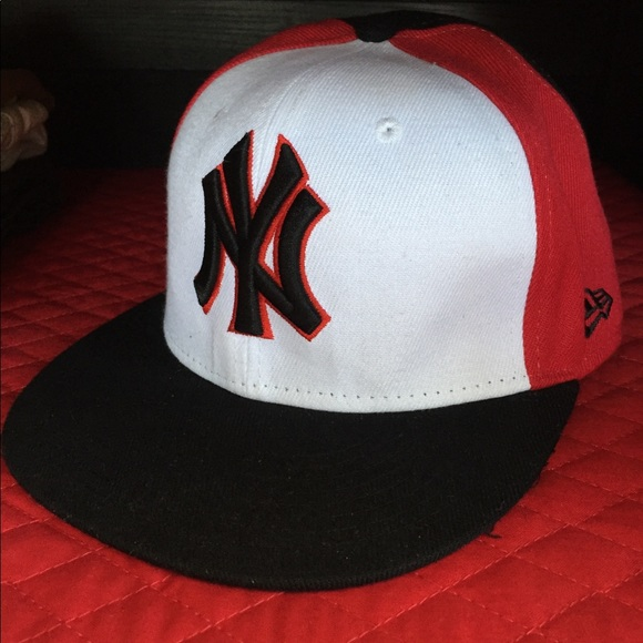 bc4d4099660a25 New Era NY Yankees Fitted Hat Black Red White sz 7. New Era.  M_5b8840ee4cdc30a41f2f53e0. M_5b8840f1fb38036ede00692a.  M_5b8840f342aa762909ca4fab